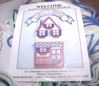 Design Works HOUSE WELCOME HOME Wall Hanging Plastic Canvas Kit