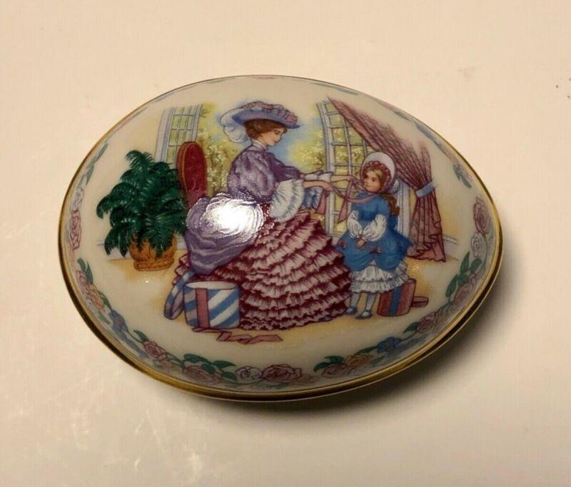 "Pretty1988 Lenox Porcelain Egg Trinket Box ""Her First Easter Bonnet"" Mint w/ Box"
