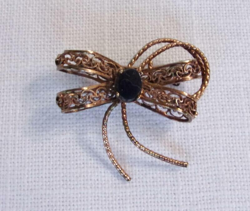Open Filigree Copper Ribbon Pin Brooch w Oval Onyx Prong Set Stone