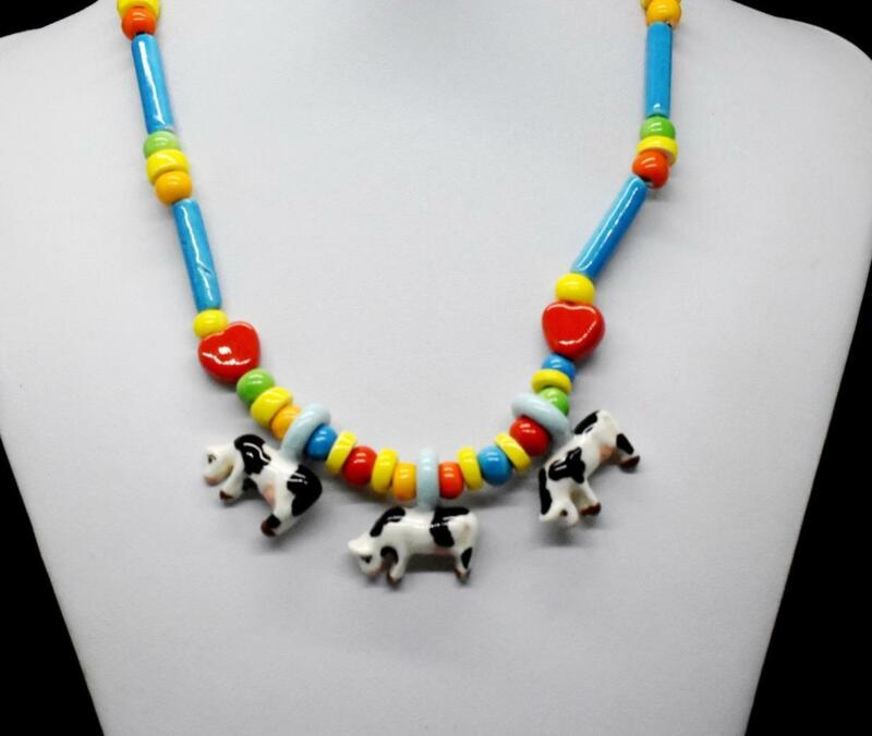 """Vintage PARROT PEARLS Ceramic COWS And HEARTS Beaded 17.75"""" Necklace COUNTRY"""