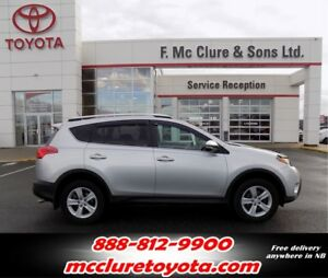 2013 Toyota RAV4 XLE Moonroof!