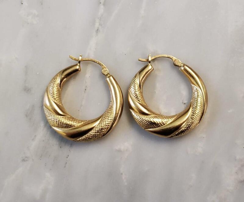 14KT Yellow Gold Hollow Hoop Earrings ~ 3.4 grams ~ CS-8320