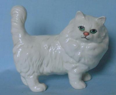 BESWICK PERSIAN CAT WHITE GLOSS MODEL 1898