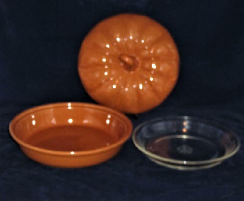 Williams Sonoma Pumpkin Pie Plate Baker Dish with Cover and Liner