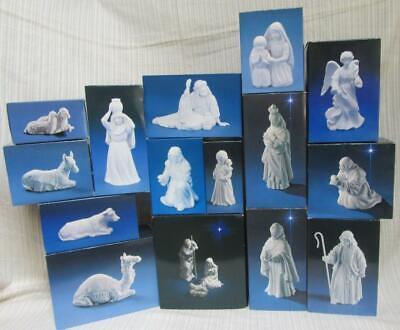 Avon White Porcelain Nativity Set 1981 - 1991 18 pc. with Stable Manger Creche