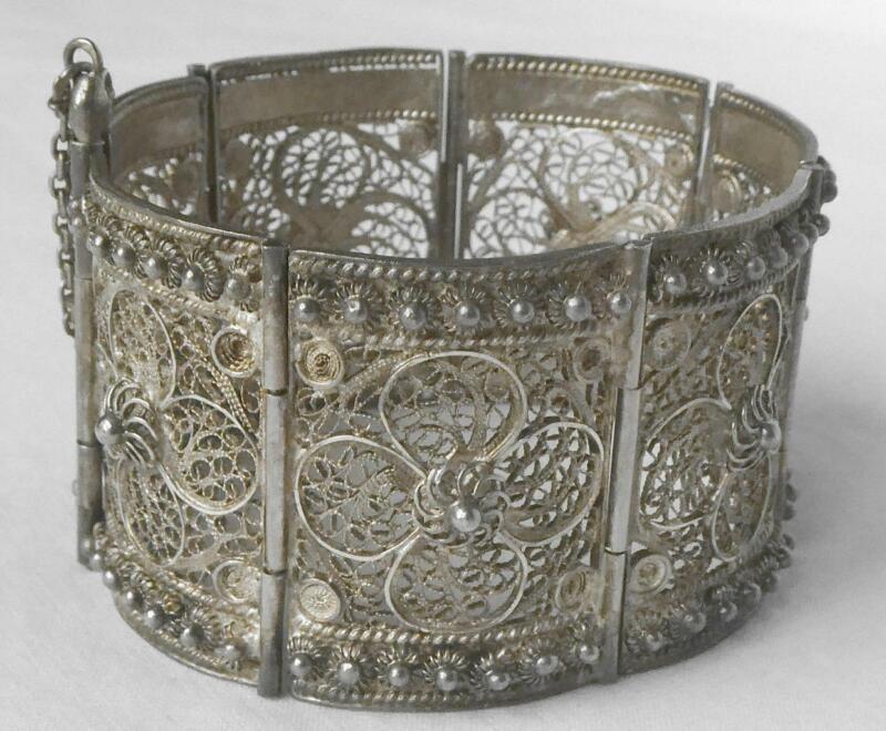 Vintage Middle East Sterling Filigree Cannetille Panel Cuff Bracelet Pin Closure