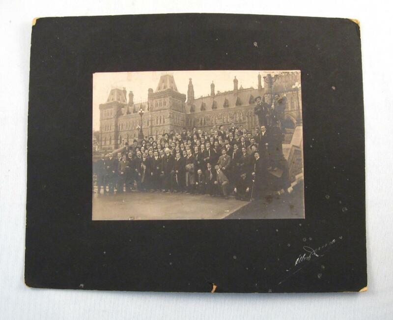 SIR WILFRID LAURIER ORIGINAL PHOTO W/ POLITICIANS IN FRONT OF OTTAWA PARLIAMENT