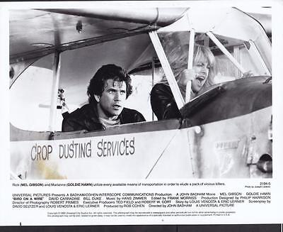 Mel Gibson Goldie Hawn Bird on a Wire 1990 original movie photo 19308