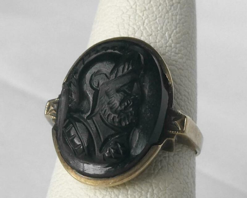 Vintage 10k Gold Black Onyx Molded Glass Cameo Warrior Soldier Portrait Ring Sz5