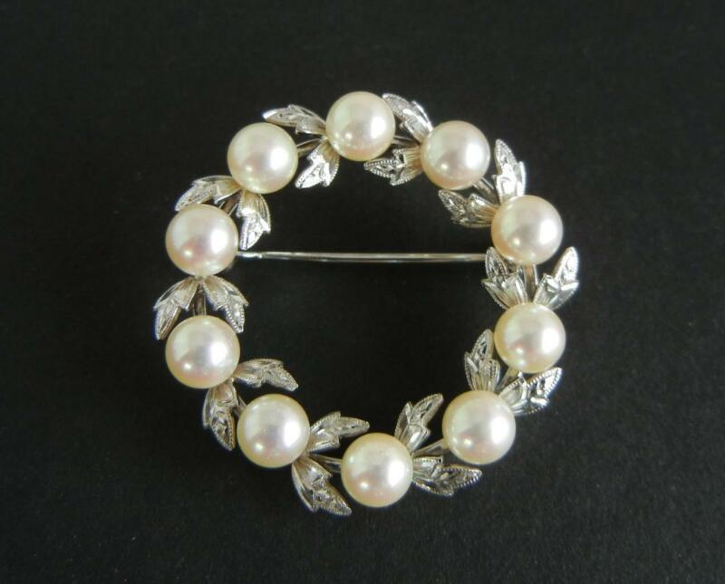"""Vintage Signed Mikimoto 1 3/8"""" Circle Pin Silver Cultured Akoya Pearls Wreath"""