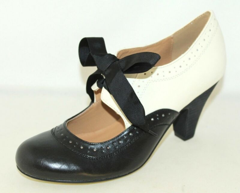 Shop for Funtasma Women's 'Saddle' Black/ White Oxford Pumps. Get free delivery at dolcehouse.ml - Your Online Women's Clothing Shop! Get 5% in rewards with Club O! - Shop and save money on discount clothes and shoes at .