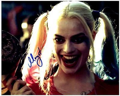 Margot Robbie Signed 8X10 Photo Picture With Coa Great Looking Autographed Pic