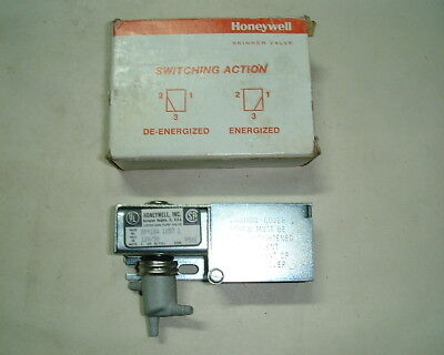 Honeywell Rp418a 1057 Electric Pneumatic Valves Lot Of 2