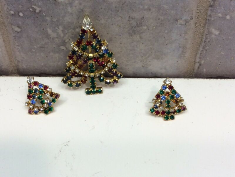 Vintage 3 Pieces- Christmas Tree Pin and Earrings  Set Multicolored Rhinestones