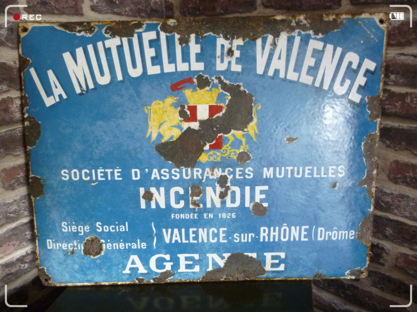 plaque publicitaire emaillee metal sign la mutuelle de valence fondee en 1826 sortir de l 39 auberge. Black Bedroom Furniture Sets. Home Design Ideas