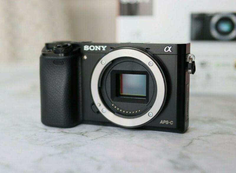 Sony A6000 24.3MP Body Only ***EXC CONDITION***