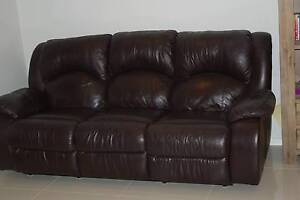 Leather lounge suite Nowra Nowra-Bomaderry Preview