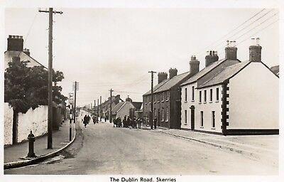 THE DUBLIN ROAD SKERRIES IRELAND RP IRISH POSTCARD by F. MURRAY, SKERRIES