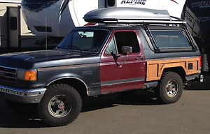 1989 Ford Bronco XLT SUV, Crossover