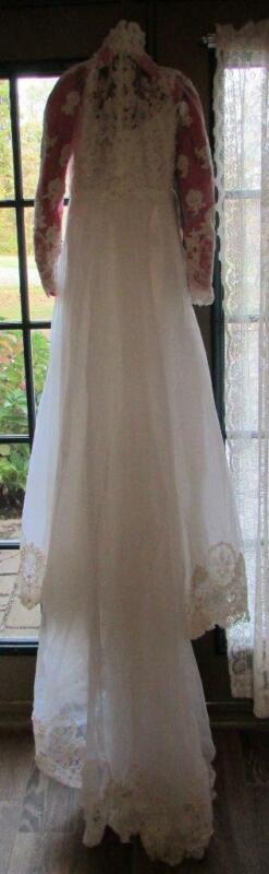 Vintage Tina of Boston Beaded Lace Bridal Dress Wedding Gown Lace & Beads Size 4