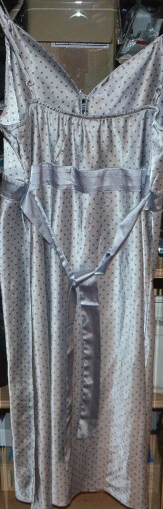 Nylon-Unterkleid Gr.40-42, Dessous  glänzend Damenunterwäsche Unterröcke