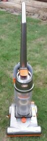 Vax Power 2 upright vacuum cleaner with extensions. In good condition and working order