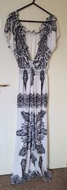 New Look - Black & White Maxi Dress - Size Large (UK 16/18) Excellent as new condition (Never worn)