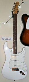 FENDER STRAT Player MiM Immaculate in Arctic white svc/setup Qual Strings used