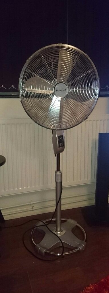 Honeywell Stand Fan : Honeywell standing oscillating fan with remote in