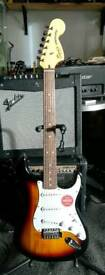 Squier Vintage Modified Stratocaster 3 Tone Sunburst NEW