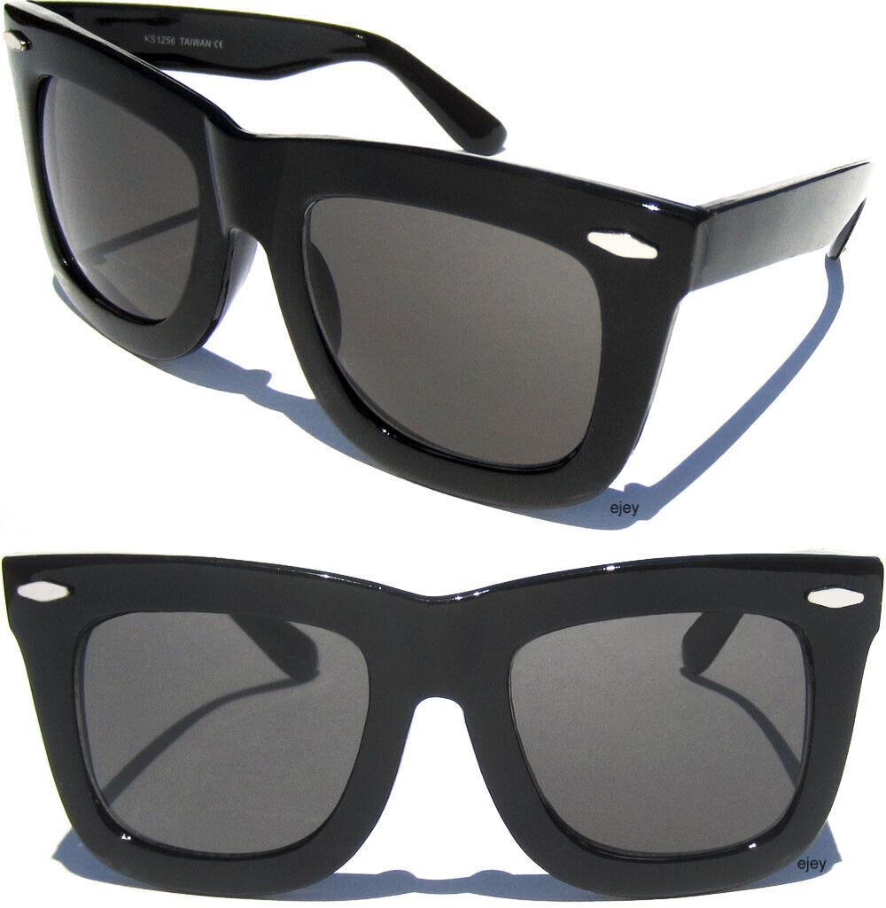 Black Smooth Style Eyeglass Case for Medium to Large Frames