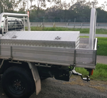 Hilux dual cab tray, for sale or swaps for white tub/canopy