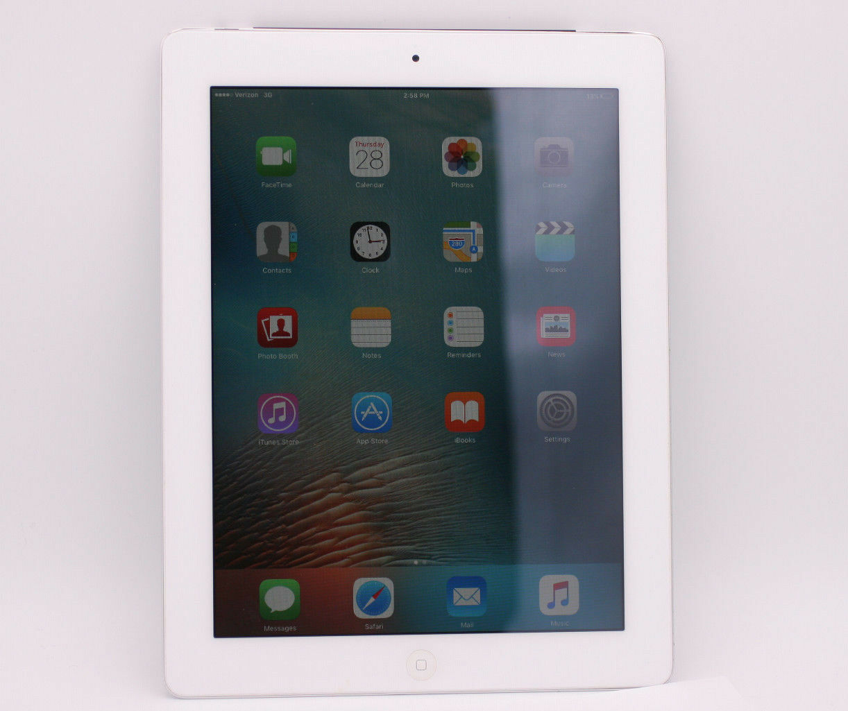 Apple iPad 2 64GB, Wi-Fi + 3G Verizon 9.7in - White - (MC987LL/A)