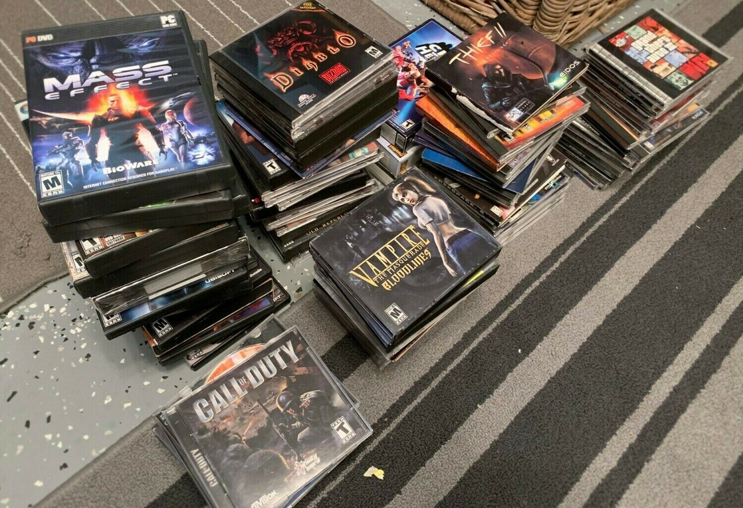 HUGE LOT of PC GAMES Modern, Classics, Hard To Find, Vintage and Rare!