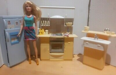 Barbie Mattel Kitchen play set vintage with doll furniture and accessories