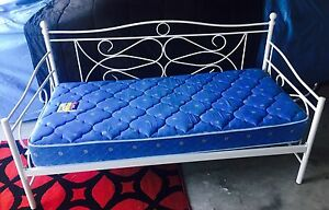 White day/ single bed including mattress Morayfield Caboolture Area Preview