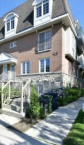 Room for rent near Bathurst and finch . ,