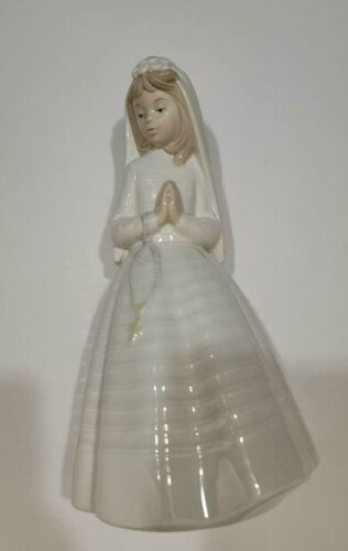 Nao By Lladro Porcelain Praying Bride Or Communion Girl Figurine_Made in Spain