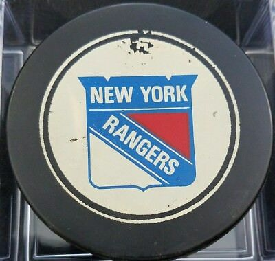 1970s VINTAGE NEW YORK RANGERS  NHL OLD SLUG CANADA HOCKEY PUCK hole N backside
