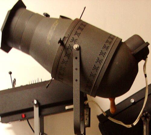 Vintage KLIEGL model 1368 2000 watt spotlight Working condition