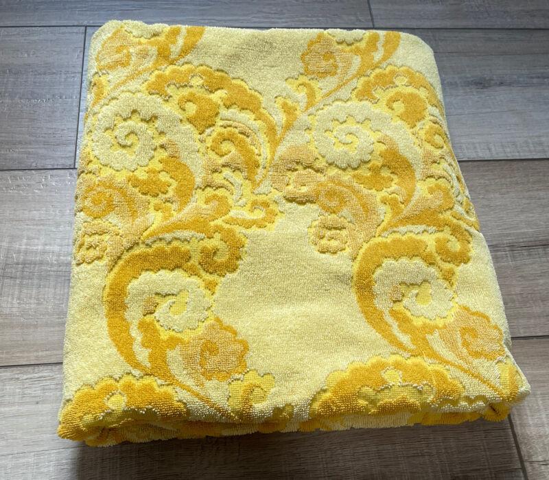 """Vintage De Witte Belgium 70s Floral Sculpted Wide Bath Towel/Sheet 36x53"""" Yellow"""