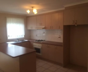 Room for rent (Mulgrave VIC) sharing with single female and mother