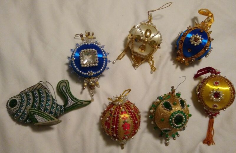 Vintage Handmade Christmas Ornaments Push Pin Beaded Sequin Lot of 7 EXCELLENT!