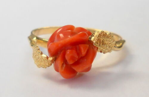 Vintage 750 18K Yellow Gold Carved Deep Red Coral Rose Flower Ring Size 8.25