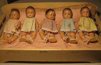 """Vintage Dionne Quintuplets 7.5"""" Composition Madame Alexander Dolls w/Bed 1940's"""