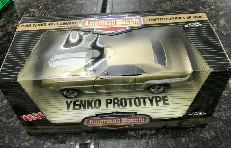 1969 YENKO 427 CAMARO GOLD ISSUE #8 AMERICAN MUSCLE 1:18 SCALE 1 OF 5000 RARE