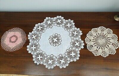 Assortment of Vintage Linen Doilies Lace