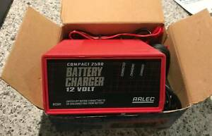 Arlec Compact 2500 Battery Charger 12v 2.5 Amp