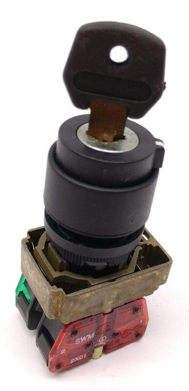 Allen Bradley 2-Position Key Switch w/ 800E-2X01 & 800E-2X10 Contact Blocks