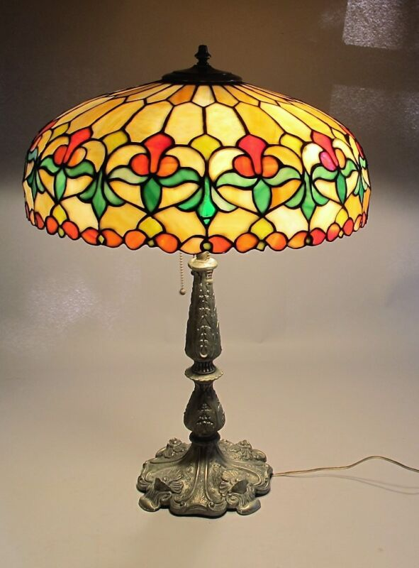 """Gorgeous Unidentified Antique American 25"""" Leaded Stained Glass Lamp  C. 1915"""